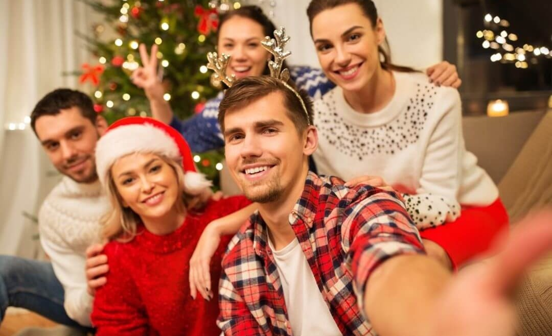 Merry and Bright: How to Get Your Whitest Smile This Holiday Season